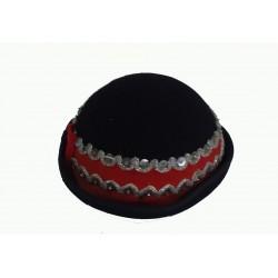 klobouk ke kroji