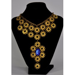 náhrdelník s modrým kamenem