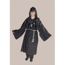 černý hábit- třeba  mnich