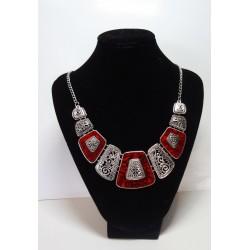 náhrdelník stříbrný s červeným kamenem